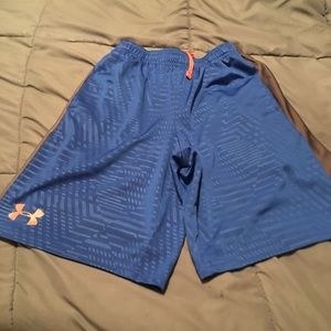 Boys Under Armour size med shorts